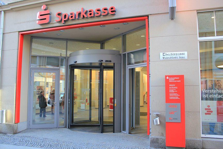 Sparkasse_BZ_Haupteingang_klein