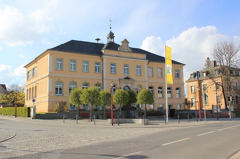 Dorfplatz von Demitz-Thumitz im April 2016.