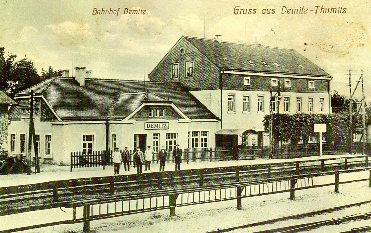 Bahnhof von Demitz-Thumitz um 1930.