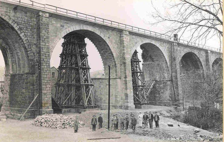 Viadukt, am 21.4.1945 gesprengt, Wiederaufbau eingleisig 1945/46.