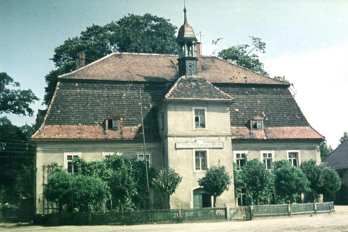 Schloss vom Thumitz um 1975.