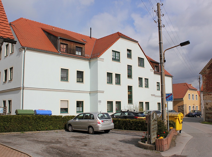 Hochkirch_Gebäude_Kirschallee
