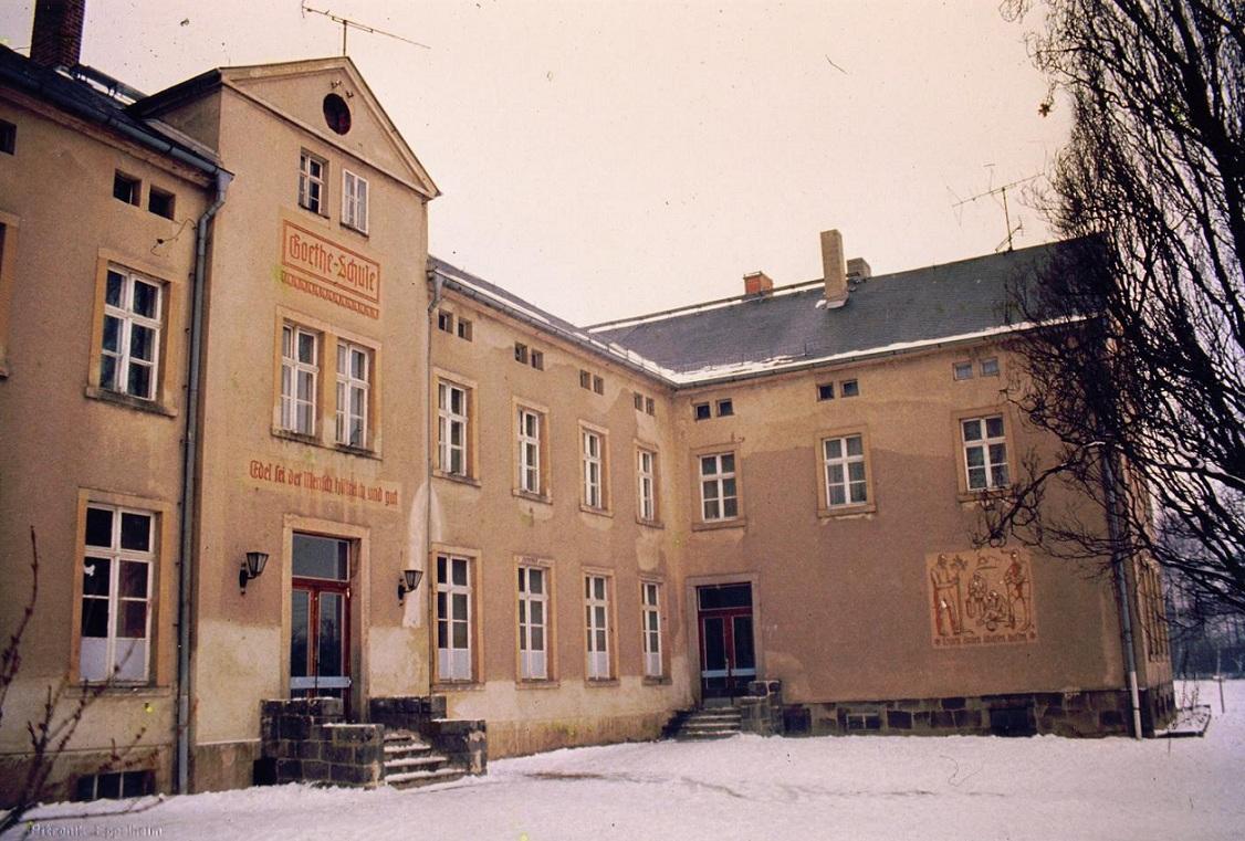 Die Goethe-Oberschule Wilthen um 1990.