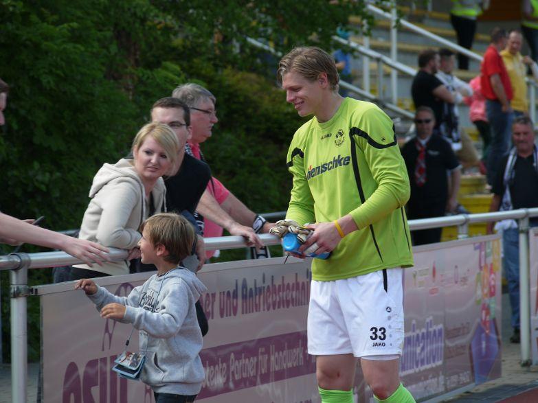 Foto: Torhüter Jakubov verabschiedet sich. Foto: Margit Hackbarth