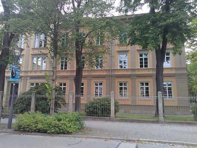 Schule-Bautzen-666x500.jpg