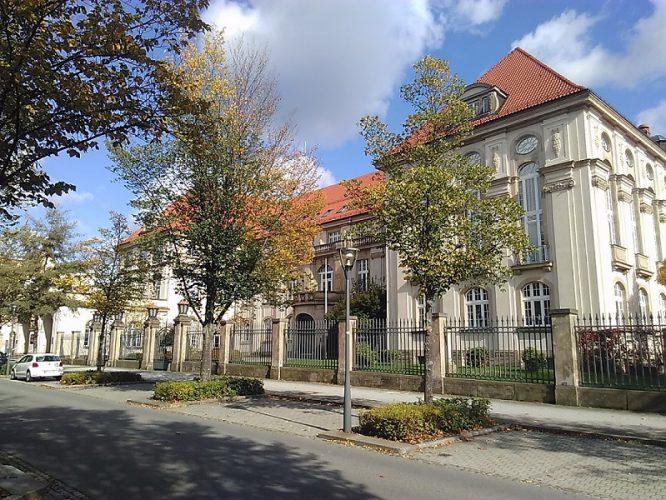 Landratsamt-BZ-666x500.jpg