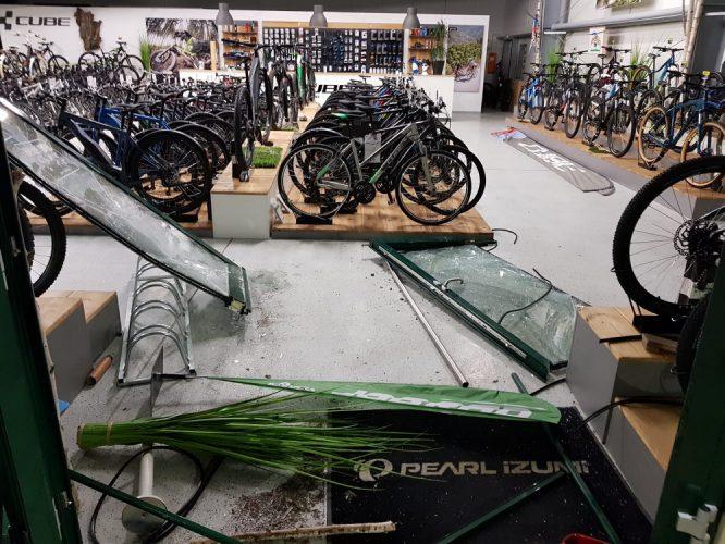 Einbruch-Fahrradladen-Eingang-666x500.jpg