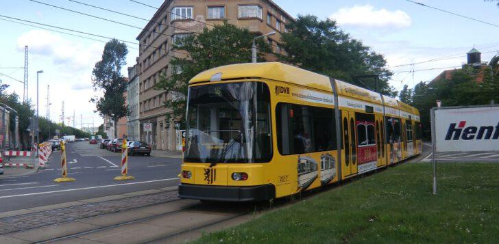 Bahn-aussen1-728x357.jpg